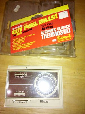 ROBERTSHAW T33-1042 HEATING AUTOMATIC SETBACK THERMOSTAT for Sale in Mount Rainier, MD
