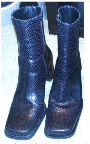 Black snakeskin looking boots size 7.5 for Sale in Austin, TX