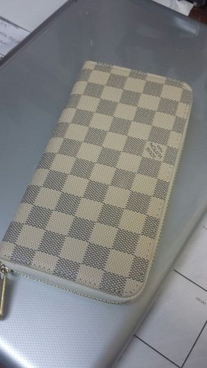 Louis Vuitton Wallet for Sale in Oxon Hill, MD