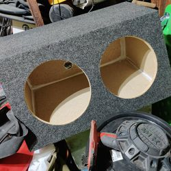 "Sub Boxes For Dual 12s&10s All Joint's Glued And 1-1/2"" Staples for Sale in Fresno,  CA"