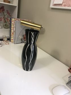 Flower pot/vase for Sale in Pickerington,  OH