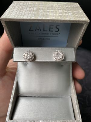 Diamond Cluster Earrings for Sale in Chicago, IL