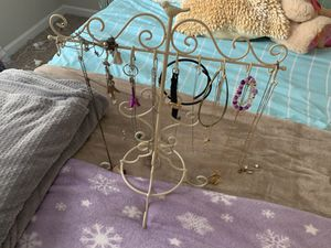 Vintage jewelry hanger/holder for Sale in Tallahassee, FL