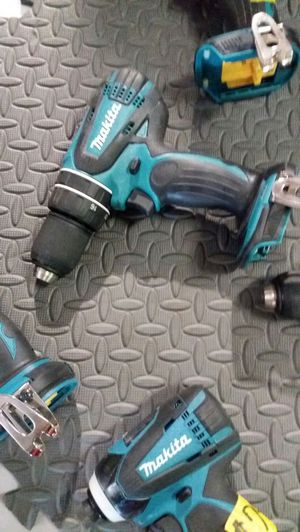 Makita 18-volt lxt lithium-ion 1/2 inch cordless hammer drill for Sale in Phoenix, AZ