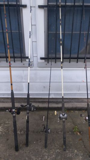 5 fishing rods for Sale in Houston, TX