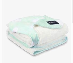 Victoria Secret Sherpa Blanket for Sale in Naperville, IL