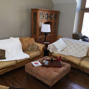 Leather Sofa for Sale in Lombard, IL
