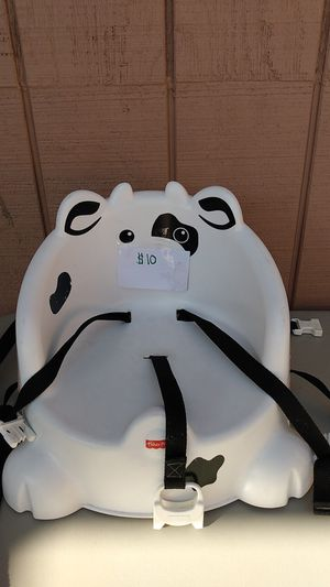 Fisher price cow booster chair for Sale in Exeter, CA