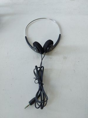 Sony MDR -006 3.5 ft Wire Headphones for Sale in Spring Valley, CA