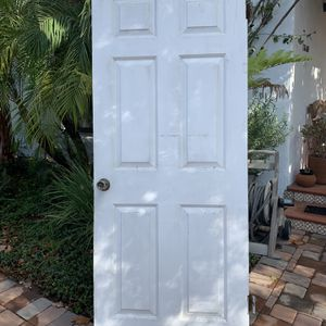 White Wooden Door If Standing Outside The Handle Is On Your Right for Sale in San Gabriel, CA
