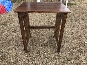 Small table for Sale in Chapin, SC