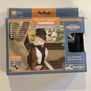 Tru-Fit Smart Dog Walking/Driving Harness Size Medium, Up To 75lbs for Sale in Philadelphia, PA