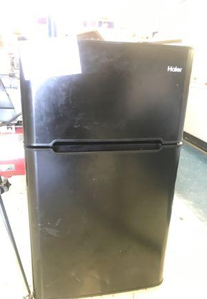 Hazier mini fridge for Sale in Tomball, TX