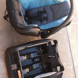 Infant Car Seat for Sale in National City, CA