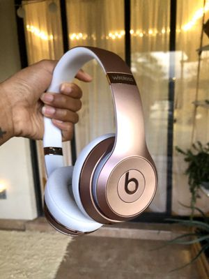 Beats solo 3 wireless headphones for Sale in Fort Lauderdale, FL