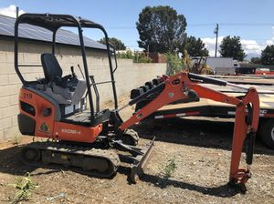 Kubota Mini Excavator 4,000 LBS for Sale in Riverside, CA