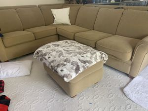 Sectional Couch (La-Z-Boy) for Sale in Long Beach, CA