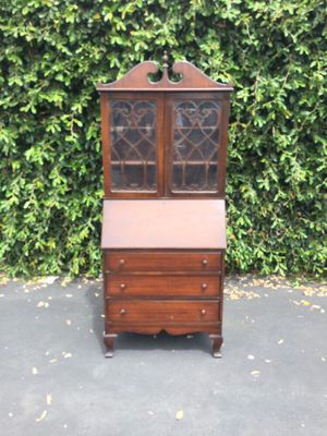 Antique Chippendale Slant Front Secretary Desk & Bookcase Hutch for Sale in Pomona, CA