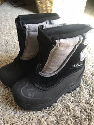 Snow boots boy girl 8 kids toddler for Sale in Lake Forest, CA