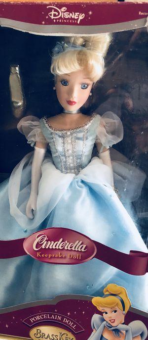 Collectable Disney Princess Cinderella. for Sale in Tampa, FL