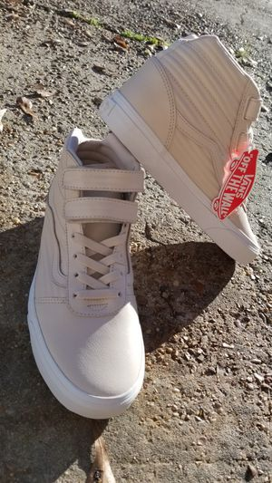 Van's size 9 womens new velcro hi top vans for Sale in Pearl, MS