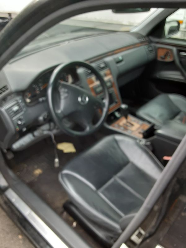 02 Mercedes e430 parting out