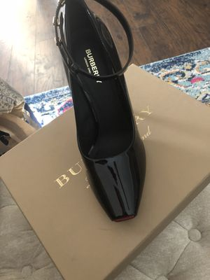 Burberry women pumps for Sale in Snellville, GA