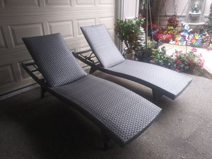 Outdoor patio chaise lounge chairs for Sale in Santa Clarita, CA