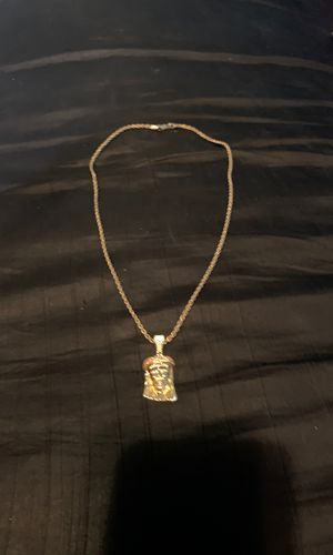 Gold chain with pendant for Sale in Columbus, OH