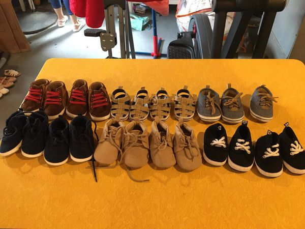 10 pairs of shoes size 1 to 6 months $40