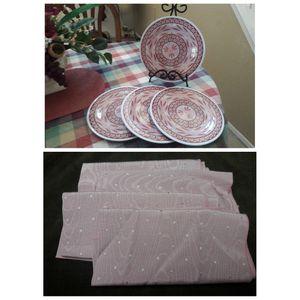 🌿🌸4pc Plate/Napkin Set 🌸🌿 for Sale in Las Vegas, NV