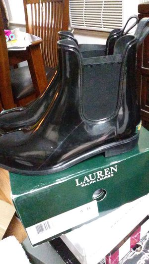 Solid pvc elastic rain boots 9 B little used for Sale in Hollywood, FL