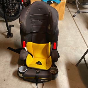 Toddler +booster Seat for Sale in Fresno, CA