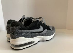 Nike Air Max 94 SE AV8197-001 - NEW - Men's Size 9.5 for Sale in Glendale, CA