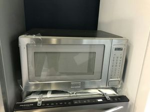 Stainless Frigidaire Microwave for Sale in St. Louis, MO