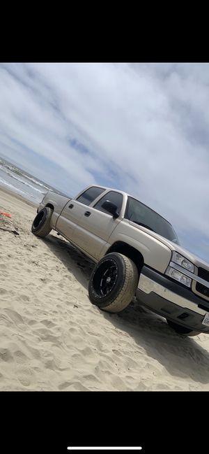 05 Chevy Silverado for Sale in Fresno, CA