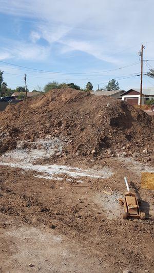 Free dirt, come and take what you need. Tierra gratis venga y lleve toda la que quiera. Es gratis for Sale in Tempe, AZ
