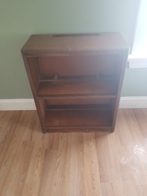 Small shelf unit for Sale in New Cumberland, PA