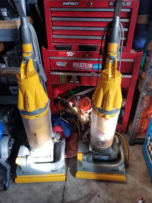 Dyson vaccum for Sale in Victorville, CA