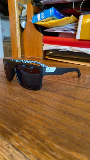 Fox sunglasses (brand new) for Sale in Norco, CA