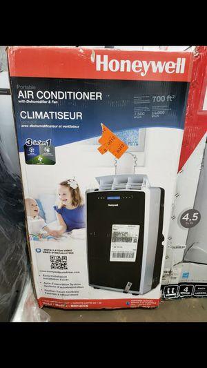 AIR CONDITIONER AC UNIT AIRE ACONDICIONADO portable portatil pinguino split for Sale in Miami, FL