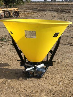 Fertilizer spreader for Sale in Dinuba, CA