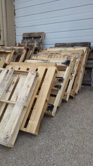 Pallets - FREE for Sale in Lexington, KY