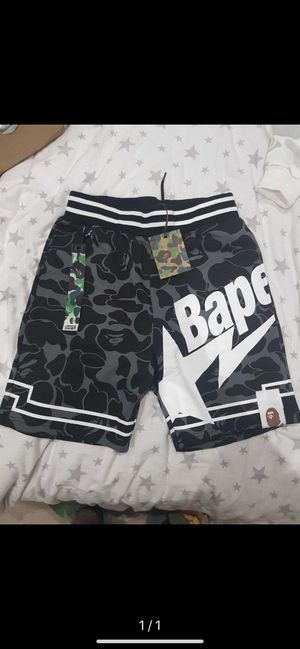 BAPE SHORTS SIZE Medium for Sale in Sanford, FL