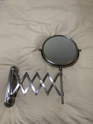 Wall mirror with 10x de aumento for Sale in Riverside, CA