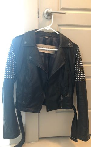 Burberry jacket black for Sale in Miami, FL