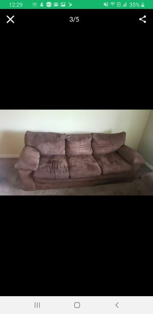Couch ,love seat and coffe table. Moving soon need gone for Sale in Columbus, OH