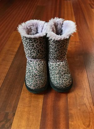 UGG girls winter boots - size 11 for Sale in St. Charles, IL