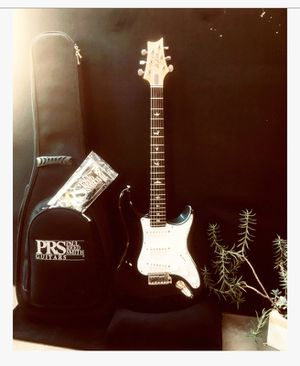 Electric guitar for Sale in Escondido, CA