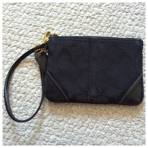 Coach small wristlet for Sale in Los Angeles, CA